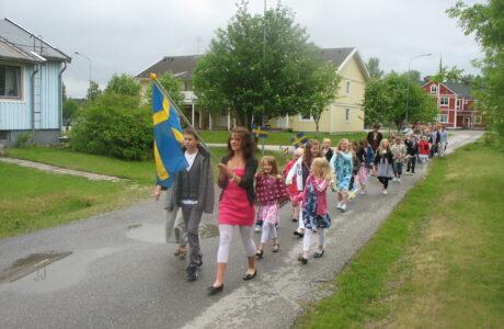 Barnen i skolan tar sommarlov
